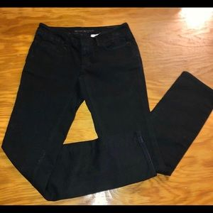 Never worn! Black Banana Republic Jeans